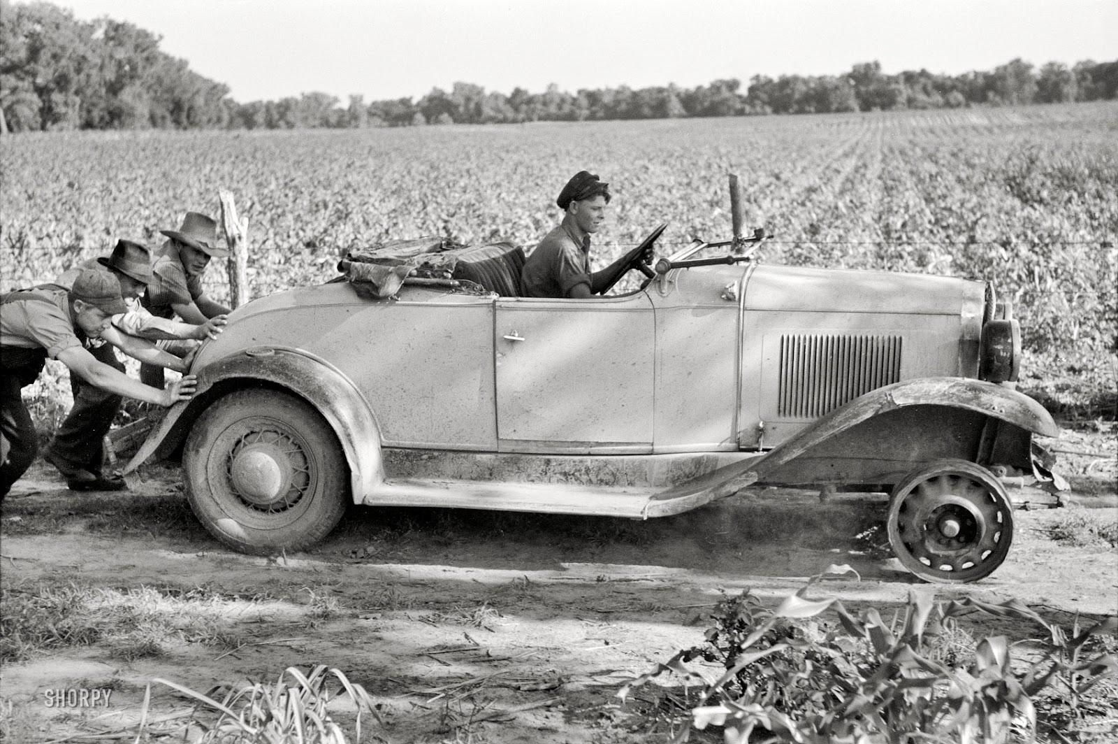 pushing-a-car-1939